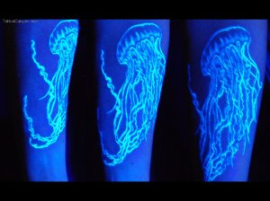 La Tinta Fluorescente O Tinta Uv Bloodyland Tattoo